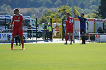 Letzte Saison noch Kollegen: Benedikt Koep (m.) und Waldhof-Kapit&auml;n Kevin Conrad (r.) beim Spiel in der Regionalliga Suedwest, TSV Steinbach - SV Waldhof Mannheim.<br /> <br /> Foto &copy; PIX-Sportfotos *** Foto ist honorarpflichtig! *** Auf Anfrage in hoeherer Qualitaet/Aufloesung. Belegexemplar erbeten. Veroeffentlichung ausschliesslich fuer journalistisch-publizistische Zwecke. For editorial use only.