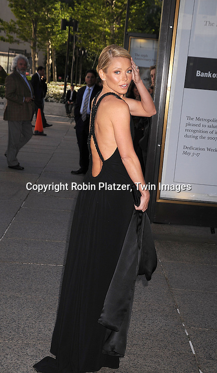Kelly Ripa..posing for photographers at The 68th Annual American Ballet Theatre Spring Gala on May 19, 2008 at the..Metropolitan Opera House in New York City. ....Robin Platzer, Twin Images