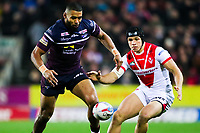 Picture by Alex Whitehead/SWpix.com - 16/03/2018 - Rugby League - Betfred Super League - St Helens v Leeds Rhinos - Totally Wicked Stadium, St Helens, England - Leeds' Kallum Watkins and St Helens' Jonny Lomax challenge for the ball.