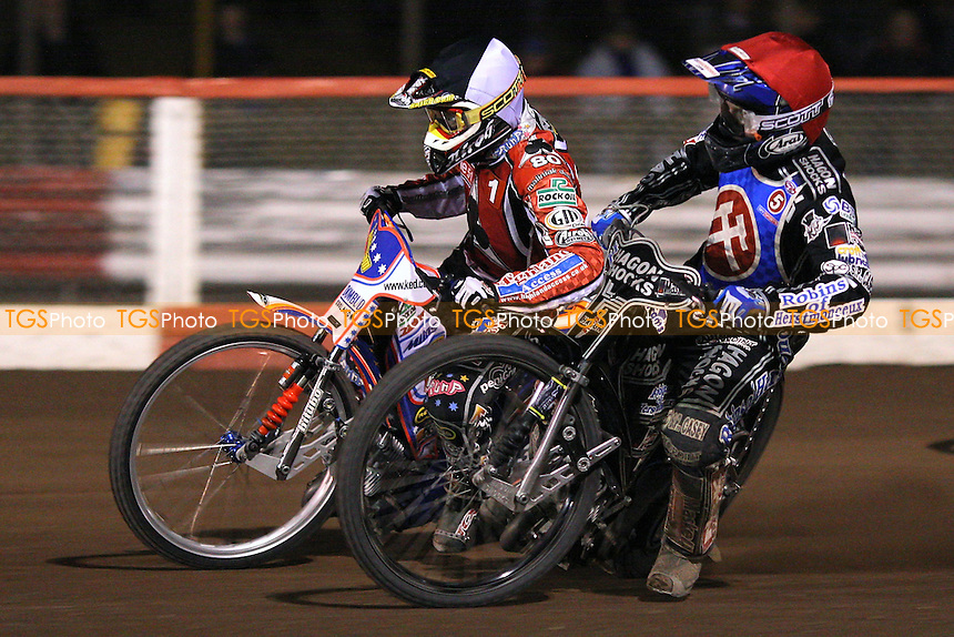 Heat 11: Crump (tactical) and Kennett (red) - Lakeside Hammers vs Belle Vue Aces - Sky Sports Elite League Speedway at Arena Essex, Purfleet - 10/09/08 - MANDATORY CREDIT: Gavin Ellis/TGSPHOTO - Self billing applies where appropriate - 0845 094 6026 - contact@tgsphoto.co.uk - NO UNPAID USE.
