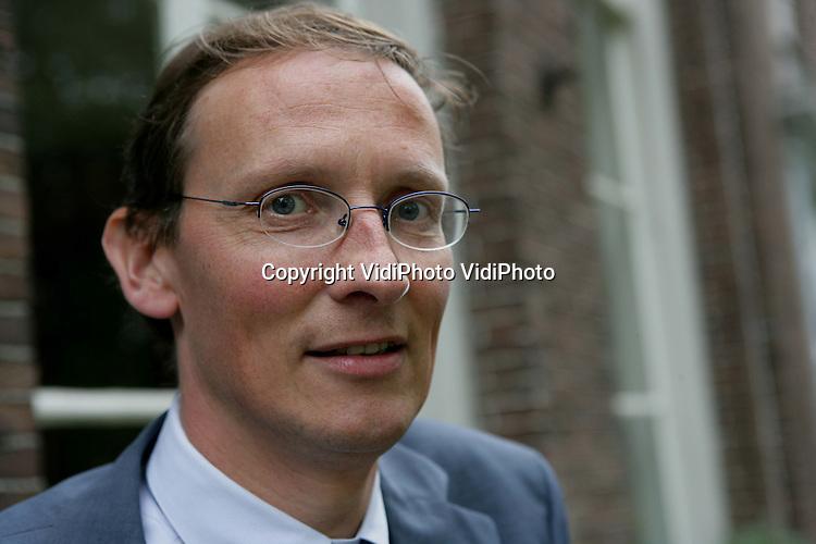 Foto: VidiPhoto..MIDDELBURG - Dr. Hans Krabbendam van het Roosevelt Study Centre in Middelburg.