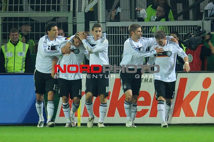 Fussball, L&auml;nderspiel, WM 2010 Qualifikation Gruppe 4 Westfalen Stadion Dortmund ( SIGNAL IDUNA PARK )<br />  Deutschland (GER) vs. Russland ( RUS )<br /> <br /> 1:0 Lukas Podolski  (Ger /  Bayern Muenchen #10)<br /> <br /> Foto &copy; nph (  nordphoto  )<br />  *** Local Caption ***