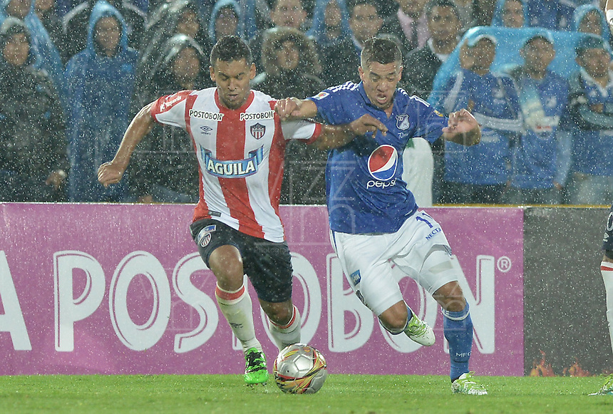 BOGOTA - COLOMBIA -27 -04-2016: Millonarios y Atlético Junior disputan partido por la fecha 15 de la Liga Águila I 2016 jugado en el estadio Nemesio Camacho El Campín de la ciudad de Bogotá./ Millonarios and Atletico Junior during a match for the date 15 of the Aguila League I 2016 played at Nemesio Camacho El Campin stadium in Bogota city. Photo: VizzorImage / Gabriel Aponte / Staff.