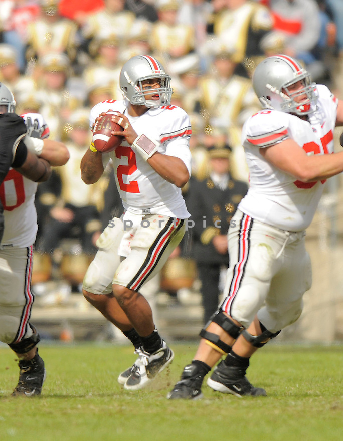 TERRELLE PRYOR, of the Ohio State Buckeyes, in action during the Buckeyes game against the Purdue Boilermakers  in St. Louis, MO, on October 17, 2009.  Purdue wins 26-18..