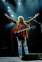ST. PAUL, MN JUNE 26: Tom Petty &amp; the Heartbreakers perform at Xcel Energy Center on June 26, 2006 in St. Paul, Minnesota. <br /> CAP/MPI/TN<br /> &copy;TN/MPI/Capital Pictures