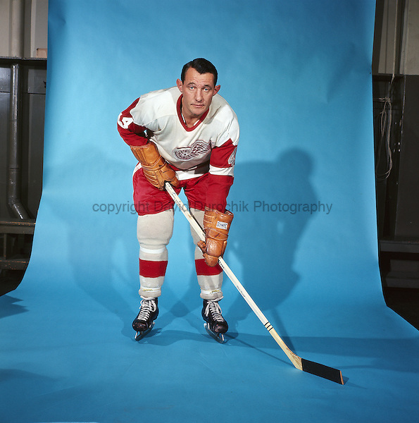 PORTRAIT OF BILL GADSBY,  of the DETROIT RED WINGS, believed to be from the 1966-67 season