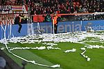12.01.2018, BayArena, Leverkusen , GER, 1.FBL., Bayer 04 Leverkusen vs. FC Bayern M&uuml;nchen<br /> im Bild / picture shows: <br /> die bayern werfen mit Rollen aus der Rechenmaschine <br /> <br /> <br /> Foto &copy; nordphoto / Meuter