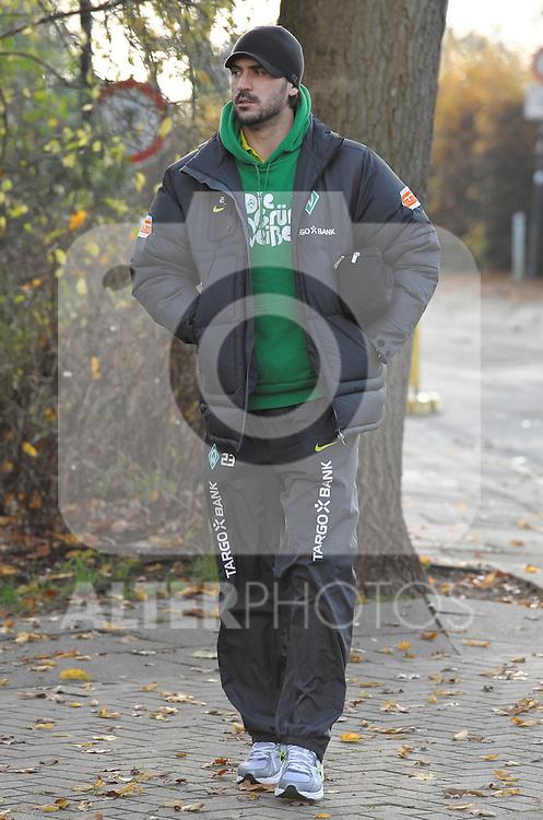 08.11.2010, Trainingsgelaende Werder Bremen, Bremen, GER, 1. FBL, Training Werder Bremen, im Bild Hugo Almeida (Bremen #23)   Foto © nph / Frisch