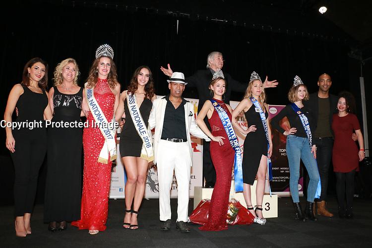 Les 3 Miss élues entourées des membres du jury et d'ELSA MAWART, président du Comité Miss Nationale - Elections MISS BESTMODEL FRANCE & MISS PETITE DE FRANCE