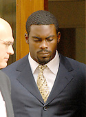 Richmond, VA - August 27, 2007 -- Michael Vick looks down as he departs the U.S. District Court in Richmond, Virginia after pleading guilty on federal charges related to dog fighting..Credit: Ron Sachs / CNP.(RESTRICTION: No New York Metro or other Newspapers within a 75 mile radius of New York City)
