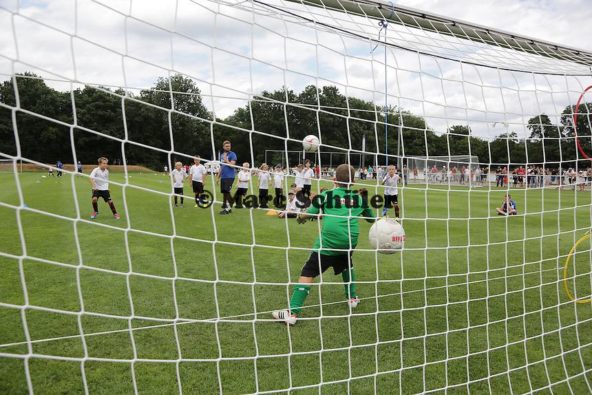 Eintracht Frankfurt Fußballschule - Eintracht Frankfurt Saisoneroeffnung