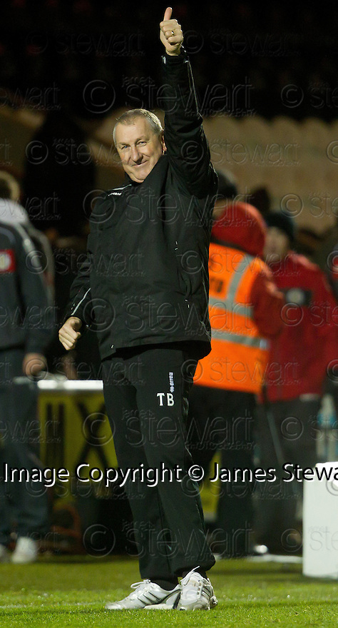 CALEY MANAGER TERRY BUTCHER WAVES TO THE FANS AT THE END OF THE GAME..03/12/2011   Copyright  Pic : James Stewart.sct_jsp019_st_mirren_v_ict  .James Stewart Photography 19 Carronlea Drive, Falkirk. FK2 8DN      Vat Reg No. 607 6932 25.Telephone      : +44 (0)1324 570291 .Mobile              : +44 (0)7721 416997.E-mail  :  jim@jspa.co.uk.If you require further information then contact Jim Stewart on any of the numbers above.........