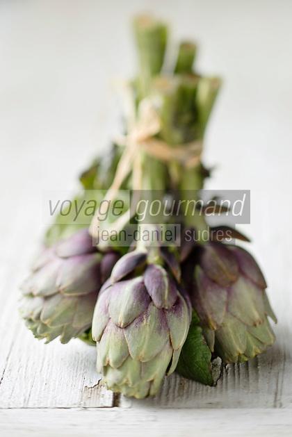 Gastronomie Générale: Artichaut Violet de Provence  ou Poivrade