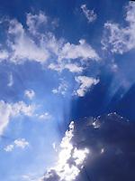 SÃO PAULO - SP -  20 DE FEVEREIRO 2013. CLIMA/TEMPO, Tarde muito quente e com algumas nuvens nesta quarta-feira no bairro de Pinheiros regiao oeste de Sao Paulo . FOTO: MAURICIO CAMARGO / BRAZIL PHOTO PRESS.