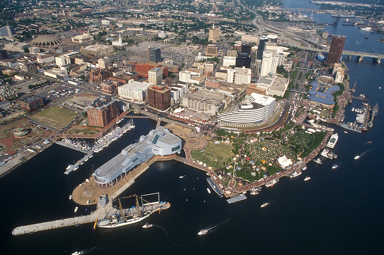1994 June 06..Redevelopment.Downtown West (A-1-6)..HARBORFEST.TOWN POINT PARK.LOOKING NORTHWEST...NEG#.NRHA#..