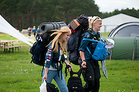 Two swedish scouts just arrived at the camp. Photo: Malin Serner/SCOUTERNA