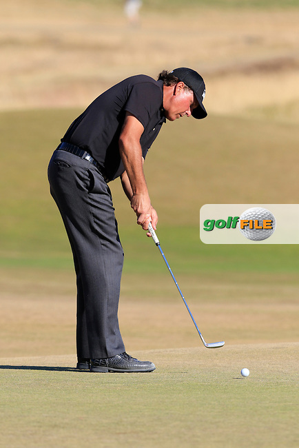 Phil MICKELSON (USA) putts on the 5th green during Friday's Round 2 of the 2015 U.S. Open 115th National Championship held at Chambers Bay, Seattle, Washington, USA. 6/20/2015.<br /> Picture: Golffile | Eoin Clarke<br /> <br /> <br /> <br /> <br /> All photo usage must carry mandatory copyright credit (&copy; Golffile | Eoin Clarke)