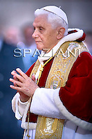 Immaculate Conception Benedict XVI visit the statue of Mary of the et Spanish Square Rome Dec 8,2009