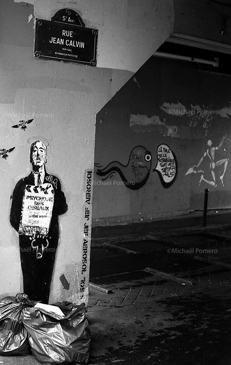Paris (&icirc;le de france)<br /> <br /> Rue jean calvin.<br /> <br /> Jean calvin street.