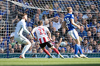 Lynden Gooch of Sunderland slots home the equalising goal during Ipswich Town vs Sunderland AFC, Sky Bet EFL League 1 Football at Portman Road on 10th August 2019