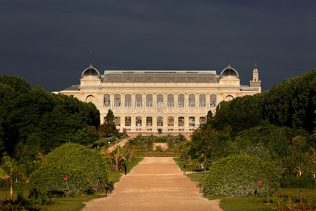General view of the Grande Galerie de l'Evolution (Great Gallery of Evolution), built by Jules Andre from 1877 to 1889 and located in the Jardin des Plantes, Paris, 5th arrondissement, France. Founded in 1626 by Guy de La Brosse, Louis XIII's physician, the Jardin des Plantes, originally known as the Jardin du Roi, opened to the public in 1640. It became the Museum National d'Histoire Naturelle in 1793 during the French Revolution.