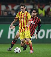 FUSSBALL  CHAMPIONS LEAGUE   SAISON 2013/2014   Vorrunde     AC Mailand - FC Barcelona       22.10.2013 Lionel Messi (li, Barca) am Ball gegen Kaka (AC Mailand)