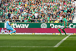 01.09.2019, wohninvest WESERSTADION, Bremen, GER, 1.FBL, Werder Bremen vs FC Augsburg<br /> <br /> DFL REGULATIONS PROHIBIT ANY USE OF PHOTOGRAPHS AS IMAGE SEQUENCES AND/OR QUASI-VIDEO.<br /> <br /> im Bild / picture shows<br /> Tor 1:0, <br /> Yuya Osako (Werder Bremen #08) mit Torschuss und Treffer zum 1:0 gegen Tomáš Koubek / Tomas Koubek (FC Augsburg #21), <br /> <br /> Foto © nordphoto / Ewert