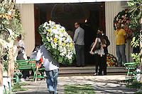SAO PAULO, SP, 14.09.2013 - VELORIO MORTE LUIZ GUSHIKEN - José Genuino durante o velório do ex ministro Luiz Gushiken acontece no Cemitério Redenção, na regiao oeste de Sao Paulo, neste sabado, 14.  (Foto: Mauricio Camargo / Brazil Photo Press).