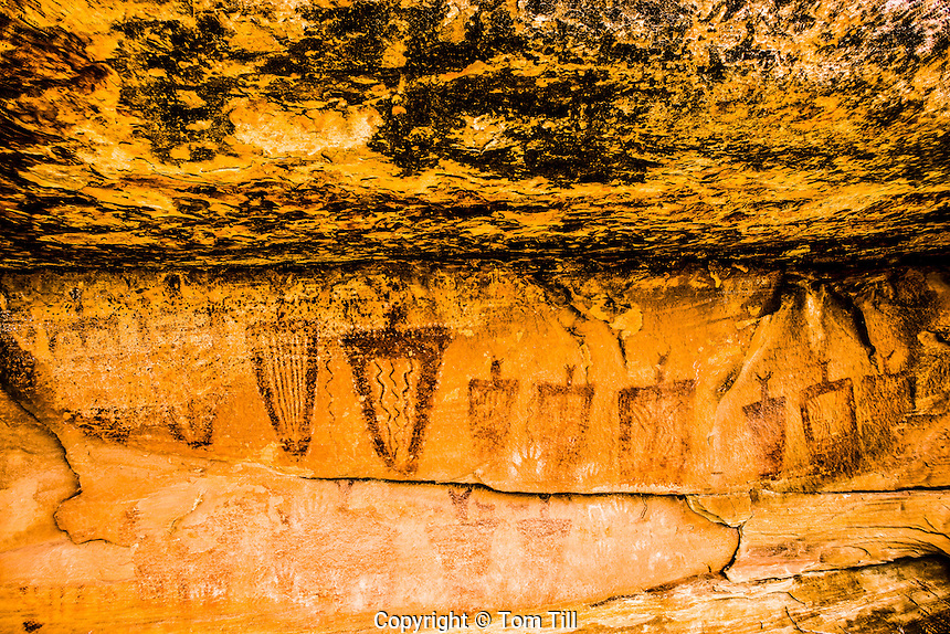 Ancient Barrier Canyon Rock Art  Southern Utah     Life-size paintings on rock walls   Ancient Native American rock art