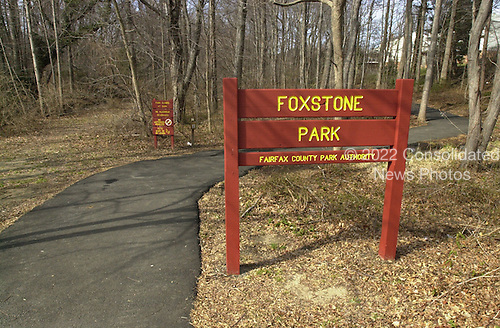 "Vienna, VA - February 20, 2001 -- ""ELLIS"" drop site on the ""Foxstone Park"" sign in Vienna, Virginia..Credit: Consolidated News Photos"