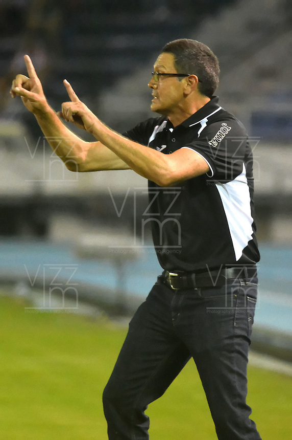 BARRANQUILLA  -COLOMBIA, 14-09-2016. Mauricio Soria  director técnico  del Blooming de Boliva   durante encuentro  por la fase 2 llave 6 de la Copa Sudamericana disputado en el estadio Metroplitano Roberto Meléndez ./ Mauricio Soria  coach  of Blooming  of Bolivia   during match for the date 2 of Sudamericana Cup   played at Metroplitano Roberto Melendez stadium . Photo:VizzorImage / Alfonso Cervantes  / Contribuidor