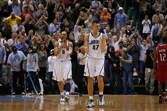 Salt Lake City - Utah Jazz forward Carlos Boozer (5, left) and Utah Jazz forward Andrei Kirilenko (47), of Russia, celebrate as time runs out and the Jazz win. Utah Jazz vs. Houston Rockets, game 6, NBA playoffs first round.