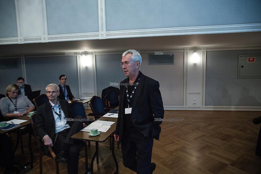 Oslo, Norge, 22.10.2014. Jørn Rattsø (født 27. september 1952 i Stjørdal) er professor i samfunnsøkonomi ved NTNU. Rattsø er kjent for å ha ledet flere offentlige utredninger, blant annet utvalget som har blitt kjent som «Rattsø-utvalget». Foto: Christopher Olssøn.