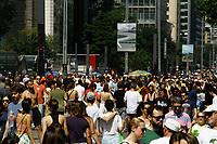 08.09.2019 - Movimentação na avenida Paulista em SP