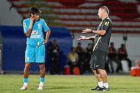 ATENÇÃO EDITOR: FOTO EMBARGADA PARA VEÍCULOS INTERNACIONAIS - RECIFE,PE,09 SETEMBRO 2012 - TREINO SELEÇÃO BRASILEIRA Otecnico Mano Menezes durante treino da seleção brasileira na tarde de hoje no Estadio do Arruda em Recife.FOTO ALE VIANNA - BRAZIL PHOTO PRESS.