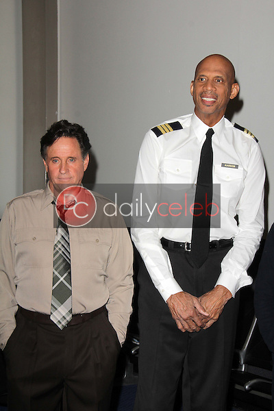 Robert Hays, Kareem Abdul-Jabbar<br />