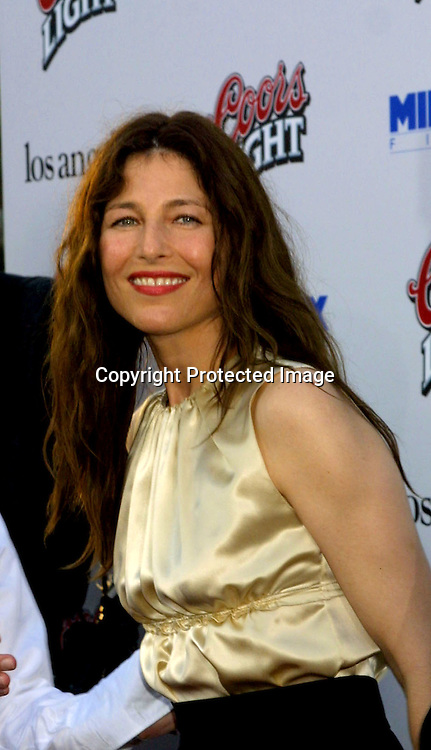 "©2002 KATHY HUTCHINS / HUTCHINS PHOTO.7/23/02.""FULL FRONTAL"" PREMIERE.BEVERLY HILLS, CA..CATHERINE KEENER."