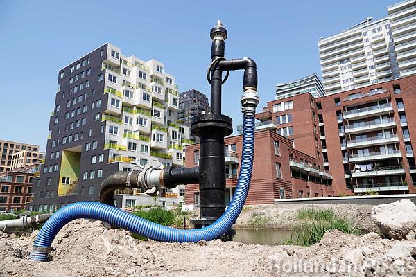 Nederland Amsterdam 2018 . Bouwwerkzaamheden op de Zuidas. Pomp om grondwater weg te pompen. Foto Berlinda van Dam / Hollandse Hoogte