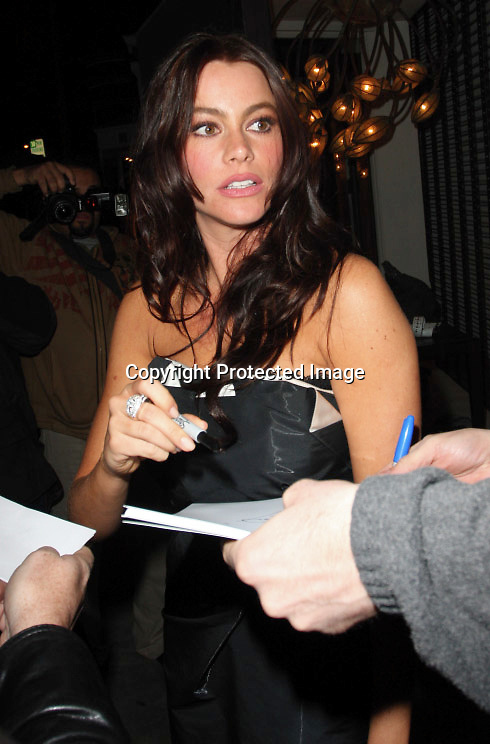 3-29-08.Sofia vergara leaving the night club villa in Hollywood .AbilityFilms@yahoo.com  805-427-3519.www.AbilityFilms.com.