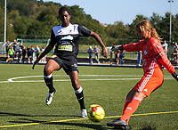 20190921 – LEUVEN, BELGIUM : E. Aalst's Henriette Awete and  OHL's goal keeper Mirthe Claes are pictured during a women soccer game between Oud Heverlee Leuven Ladies B and Eendracht Aalst Ladies on the fourth matchday of the Belgian Division 1 season 2019-2020, the Belgian women's football national division 1, Saturday 21th September 2019 at the Bruinveld Youth Complex, Domeinstraat in Leuven , Belgium. PHOTO SPORTPIX.BE | SEVIL OKTEM