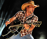 NASHVILLE, TN - JUNE 07:  Jason Aldean performs during the 2012 CMA Music Festival on June 7, 2012 in Nashville, Tennessee.  (Photo by Frederick Breedon IV/WireImage) *** Local Caption *** Jason Aldean