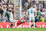 Goalkeeper Keylor Navas of Real Madrid reaches for the ball after an attempt at goal by Real Betis during the La Liga 2017-18 match between Real Madrid and Real Betis at Estadio Santiago Bernabeu on 20 September 2017 in Madrid, Spain. Photo by Diego Gonzalez / Power Sport Images