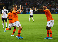 celebrate the goal, Torjubel zum 1:1 Ausgleich Frenkie de Jong (Niederlande) mit Ryan Babel (Niederlande) - 06.09.2019: Deutschland vs. Niederlande, Volksparkstadion Hamburg, EM-Qualifikation DISCLAIMER: DFB regulations prohibit any use of photographs as image sequences and/or quasi-video.