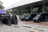 Niterói, RJ, 28.04.2017 - GREVE-GERAL- Manifestantes bloqueiam entrada das Barcas em Niterói, RJ  nesta sexta-feira, 28. (Foto: Clever Felix/Brazil Photo Press)