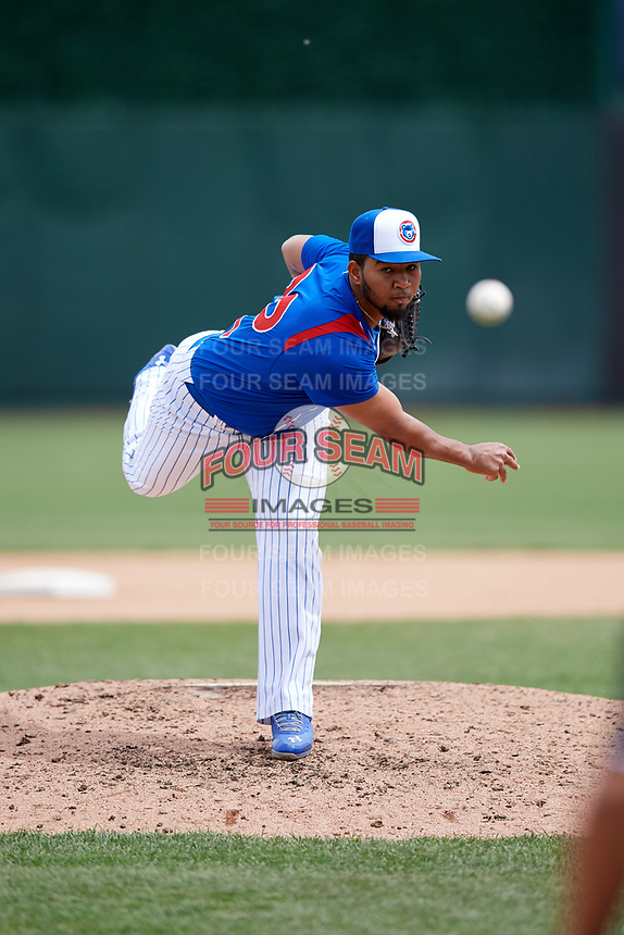 South Bend Cubs relief pitcher Pedro Silverio (22) delivers a pitch during a game against the Kane County Cougars on May 3, 2017 at Four Winds Field in South Bend, Indiana.  South Bend defeated Kane County 6-2.  (Mike Janes/Four Seam Images)
