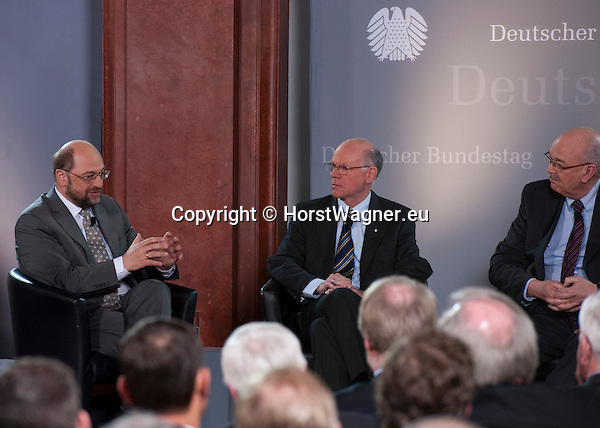 Brussels-Belgium - February 01, 2012 -- Visit to Brussels by Prof. Dr. Norbert LAMMERT (ce), President / Speaker of the German Parliament (Deutscher Bundestag); here, in a panel debate at Bibliotheque Solvay with MEP Martin SCHULZ (le), President of the European Parliament; Rolf-Dieter KRAUSE (ri), Director ARD-Studios Brussels / Moderator -- Photo: © HorstWagner.eu