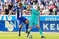 Deportivo Alaves' Tomas Pina (l) and FC Barcelona's Gerard Deulofeu during La Liga match. August 26,2017.  *** Local Caption *** © pixathlon<br /> Contact: +49-40-22 63 02 60 , info@pixathlon.de