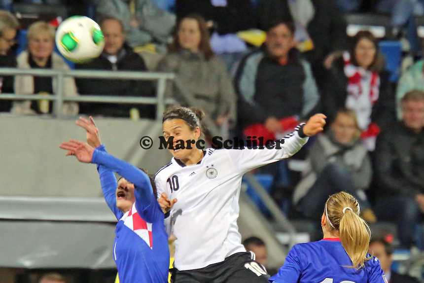 Dzseinfer Maozsan (D) gegen Maja Joscak (CRO) - Deutschland vs. Kroatien, WM-Qualifikation, Frankfurter Volksbank Stadion