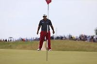Patrick Reed (USA) lines up his chip on the 6th green during Friday's Round 2 of the 117th U.S. Open Championship 2017 held at Erin Hills, Erin, Wisconsin, USA. 16th June 2017.<br /> Picture: Eoin Clarke | Golffile<br /> <br /> <br /> All photos usage must carry mandatory copyright credit (&copy; Golffile | Eoin Clarke)