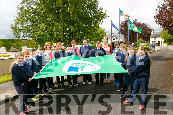 CURROW NS got their 4th Green Flag for Travel Pictured green flag committee l-r Aisling O'Neill, David Healy, Mark O'Connor, David McCarthy, Margaret Hanifin (Principal), Mary Keane, Lee Normoyle, Mary Fleming, Cecilia Mcmahon, Eamonn O'Mahony, Maria Horan, Ava Carney, Eoin O'Connor, Jasmin O'sullivan, Elle Fitzgerald